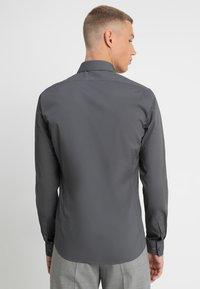 Calvin Klein Tailored - EXTRA SLIM - Koszula biznesowa - grey - 2