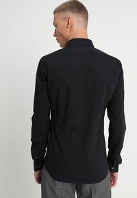 Calvin Klein Tailored - EXTRA SLIM - Finskjorte - black - 2