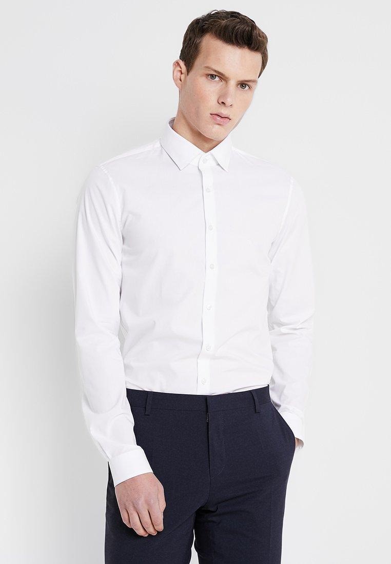 Calvin Klein Tailored - POPLIN EXTRA SLIM FIT - Camisa elegante - white
