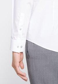 Calvin Klein Tailored - STRETCH SLIM - Formal shirt - white - 3