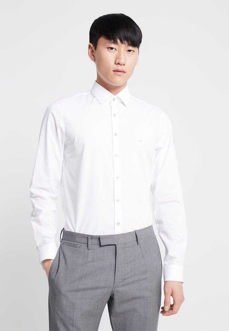 Calvin Klein Tailored STRETCH SLIM Koszula biznesowa  JC4nb