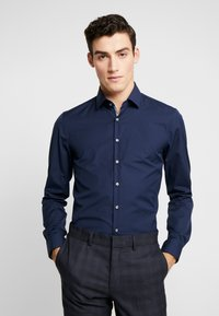 Calvin Klein Tailored - CONTRAST EASY IRON SLIM FIT SHIRT - Koszula biznesowa - blue - 0