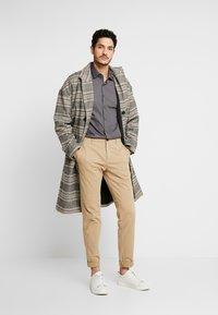 Calvin Klein Tailored - POPLIN SLIM FIT - Formální košile - charcoal - 1