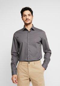 Calvin Klein Tailored - POPLIN SLIM FIT - Formální košile - charcoal - 0