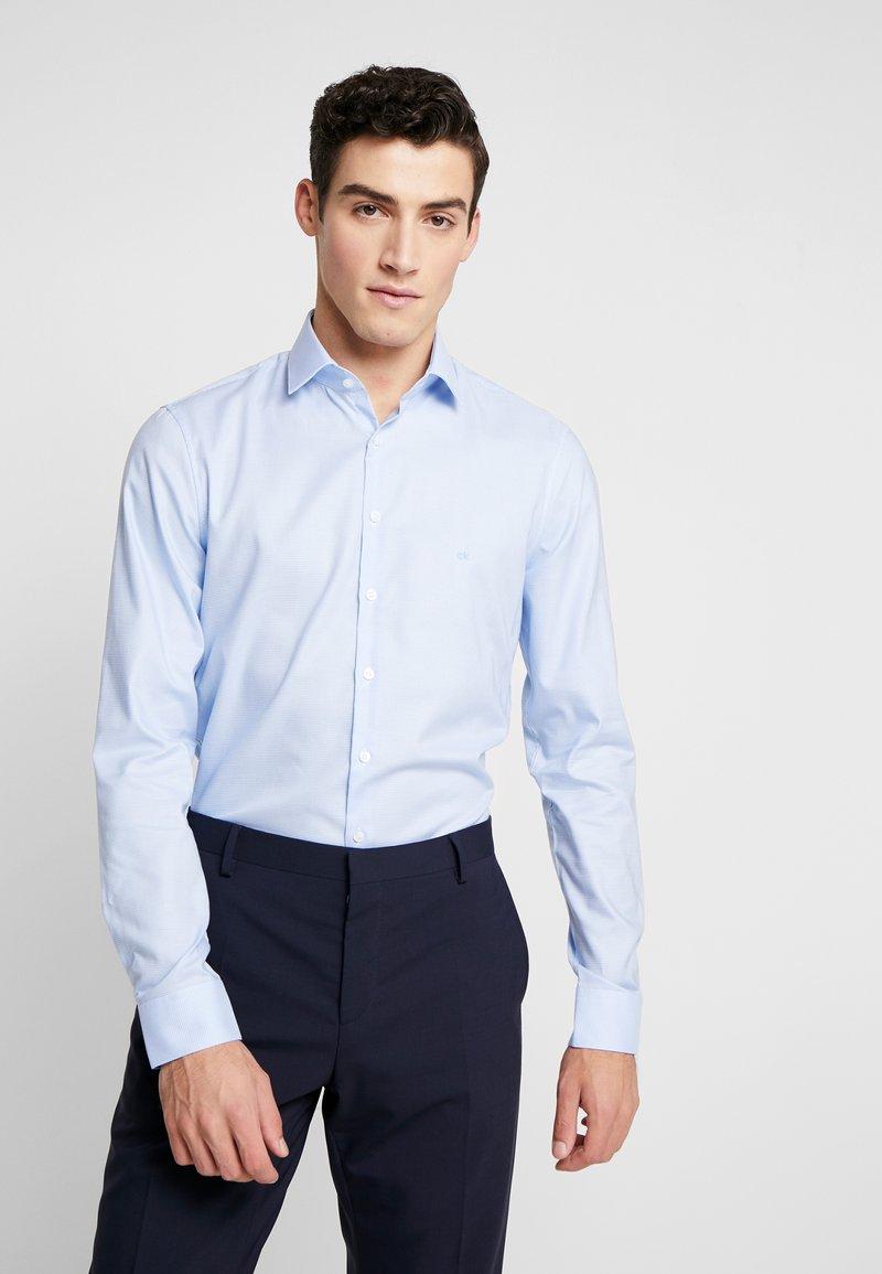 Calvin Klein Tailored - STRUCTURE EASY IRON SLIM SHIRT - Chemise classique - blue