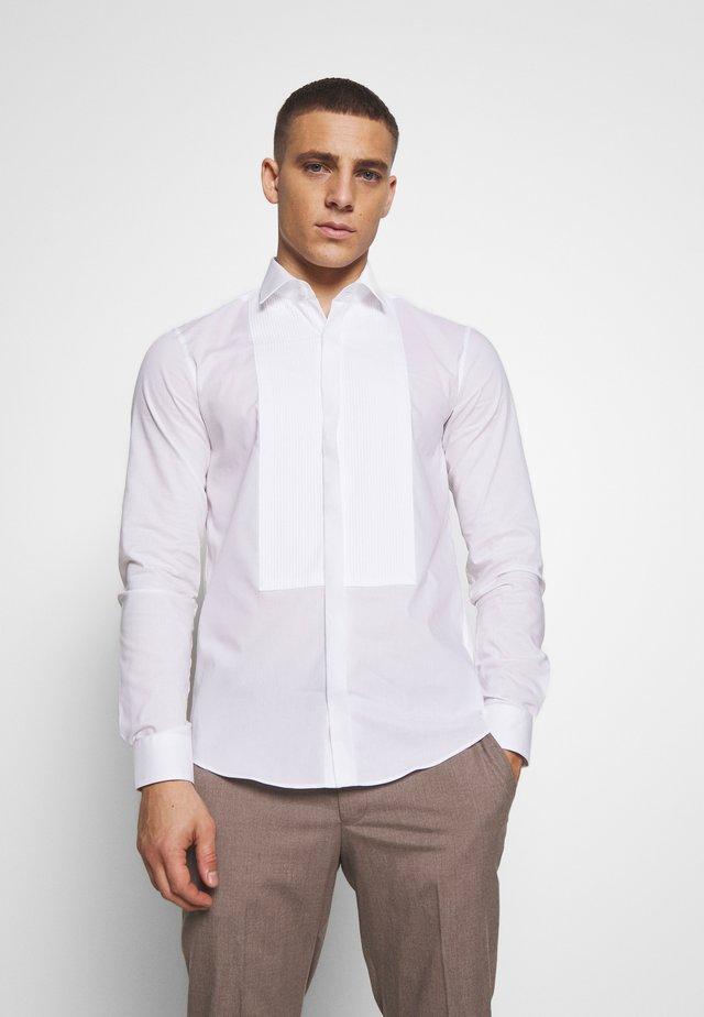 TUXEDO HIDDEN PLACKET SLIM  - Formální košile - white