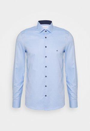 CONTRAST PRINT SLIM SHIRT - Camicia elegante - blue