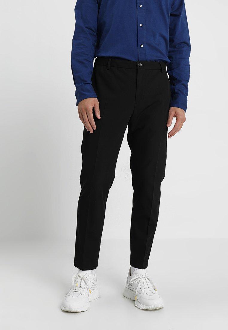 Calvin Klein Tailored - TECHNO GABARDINE TRAVEL PANT - Pantalon classique - black