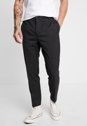 TRAVEL TAPERED PANT - Pantaloni - anthracite