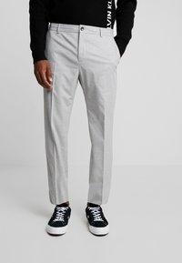 Calvin Klein Tailored - STRETCH COMFORT PANT - Bukse - grey - 0
