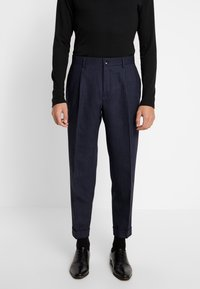 Calvin Klein Tailored - TEXTURED PLEATED PANT - Tygbyxor - blue - 0