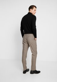 Calvin Klein Tailored - HOUNDSTOOTH EXTRAFINE - Suit trousers - grey - 2