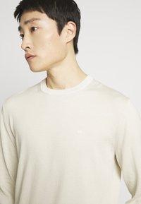 Calvin Klein Tailored - Svetr - beige - 4