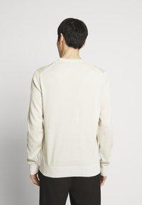Calvin Klein Tailored - Svetr - beige - 2
