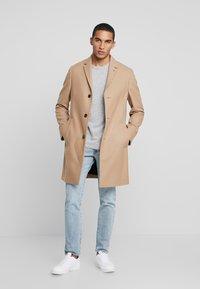 Calvin Klein Tailored - BLEND COAT - Kappa / rock - beige - 1