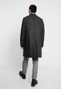 Calvin Klein Tailored - BLEND SPECKLE CROMBY COAT - Zimní kabát - grey - 2