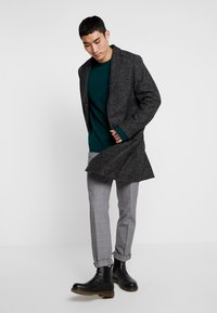Calvin Klein Tailored - BLEND SPECKLE CROMBY COAT - Zimní kabát - grey - 1