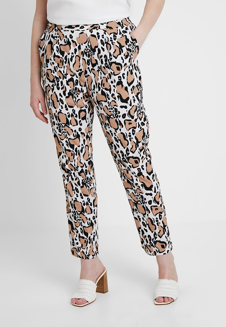 CAPSULE by Simply Be - PRINT CREPE TAPERED TROUSERS - Stoffhose - brown/white/black
