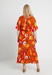 CAPSULE by Simply Be - CRINKLE SQUARE NECK DRESS - Maxikjole - orange - 2