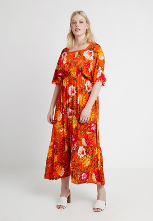 CRINKLE SQUARE NECK DRESS - Vestido largo - orange