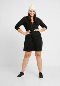 CAPSULE by Simply Be - SWING DRESS - Sukienka z dżerseju - black - 1