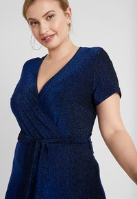 CAPSULE by Simply Be - GLITTER WRAP SKATER DRESS - Cocktailklänning - cobalt - 4