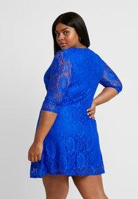 CAPSULE by Simply Be - SWING DRESS - Žerzejové šaty - cobalt - 3
