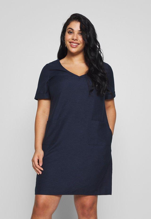 SHORT SLEEVE V NECK SHIFT DRESS - Sukienka letnia - navy