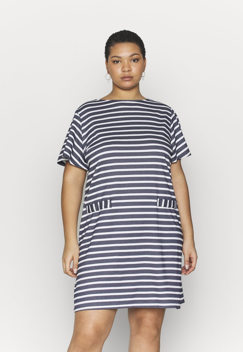 CAPSULE by Simply Be - POCKET DETAIL  DRESS - Robe en jersey - navy/white