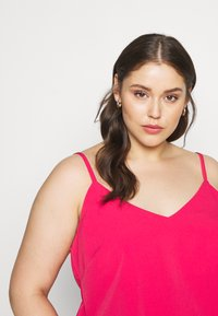 CAPSULE by Simply Be - STRAPPY CAMI - Débardeur - fuschia - 4