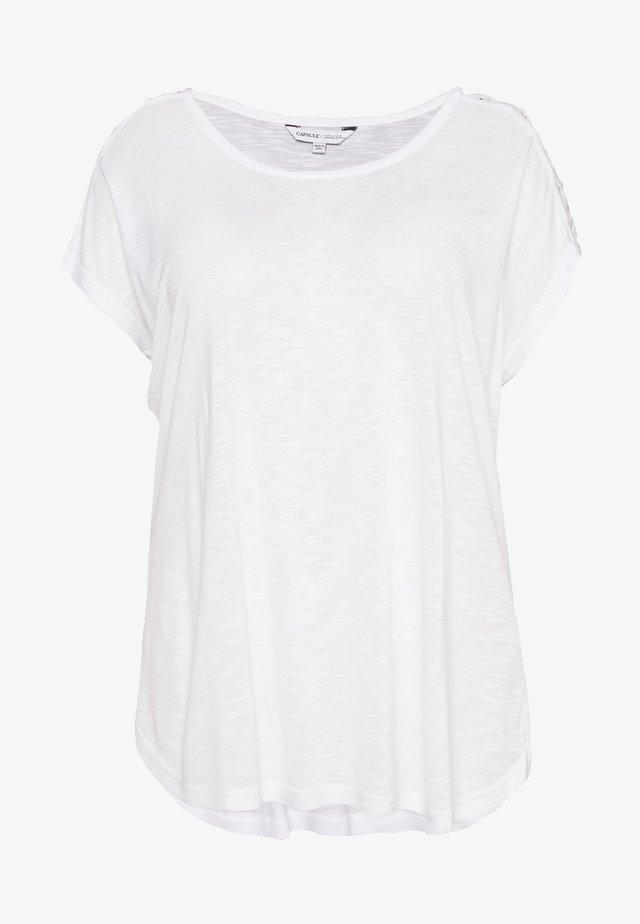 CRISS CROSS STRAP  - T-shirt z nadrukiem - white