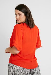 CAPSULE by Simply Be - LADDER INSERT TUNIC - Bluser - orange - 2