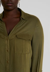 CAPSULE by Simply Be - UTILITY - Bluser - khaki - 3