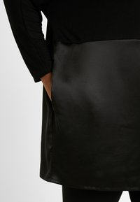 CAPSULE by Simply Be - Topper langermet - black - 5