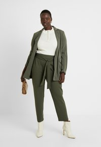 CAPSULE by Simply Be - UTILITY - Blazer - olive - 1
