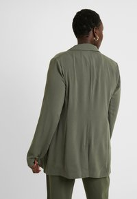 CAPSULE by Simply Be - UTILITY - Blazer - olive - 2
