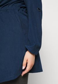 CAPSULE by Simply Be - WATERFALL JACKET - Manteau court - navy - 5