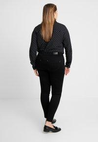 CAPSULE by Simply Be - SHAPE AND SCULPT APPLE FIT - Jeans Skinny Fit - black - 2