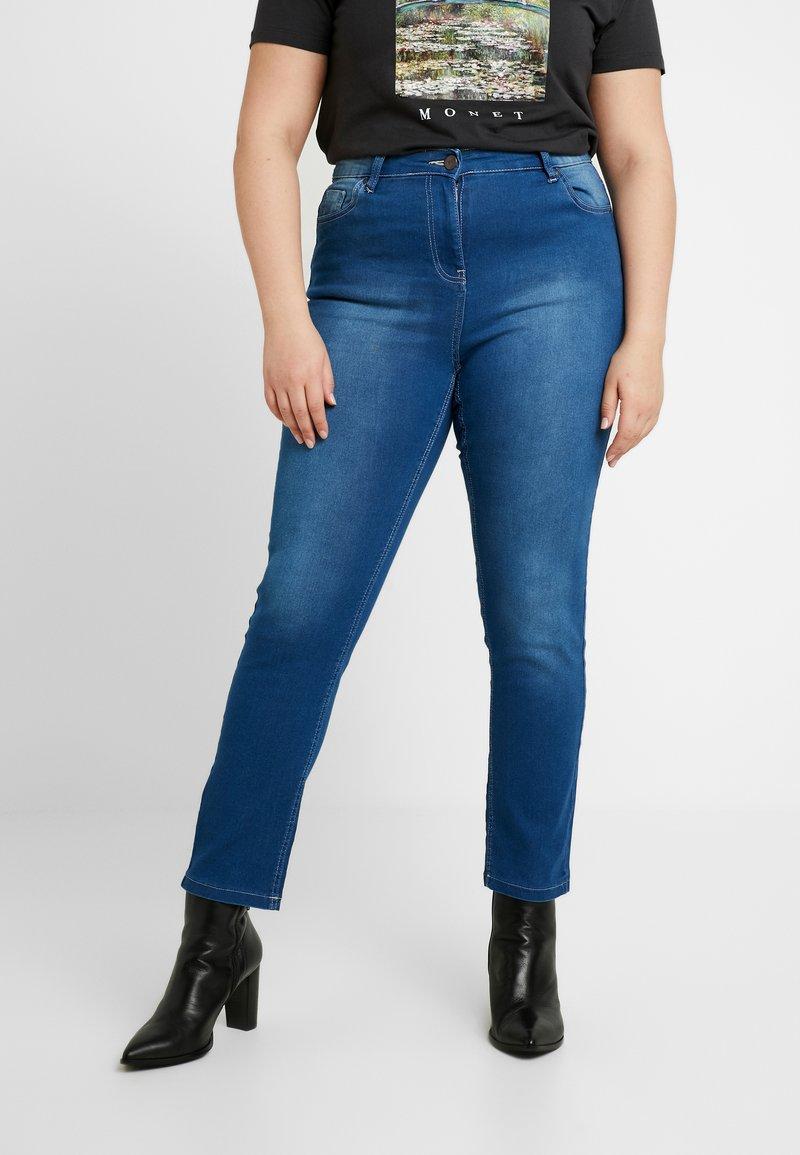 CAPSULE by Simply Be - LEXI - Vaqueros slim fit - blue