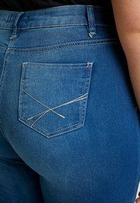 CAPSULE by Simply Be - LEXI - Vaqueros slim fit - blue - 5