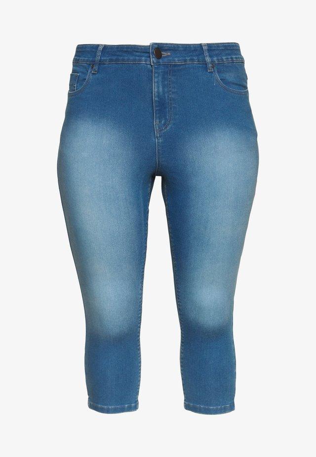 LUCY HIGH WAIST SUPER STRETCH CROP - Jeans Shorts - blue