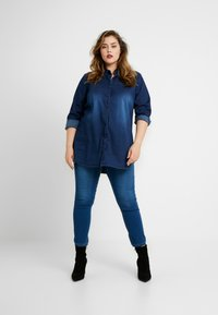 CAPSULE by Simply Be - LEXI - Jeans Skinny Fit - blue - 1
