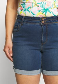 CAPSULE by Simply Be - SHAPE AND SCULPT - Denim shorts - mid blue - 3
