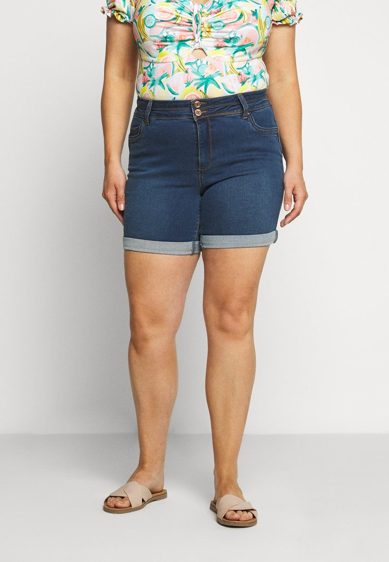 CAPSULE by Simply Be - SHAPE AND SCULPT - Denim shorts - mid blue