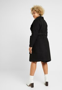 CAPSULE by Simply Be - LONGLINE BELTED WRAP COAT - Classic coat - black - 2