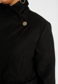 CAPSULE by Simply Be - LONGLINE BELTED WRAP COAT - Classic coat - black - 5