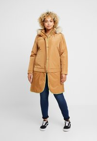 CAPSULE by Simply Be - LIGHTWEIGHT WITH DETACHABLE - Parkatakki - camel - 1