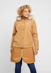 CAPSULE by Simply Be - LIGHTWEIGHT WITH DETACHABLE - Parkatakki - camel - 2