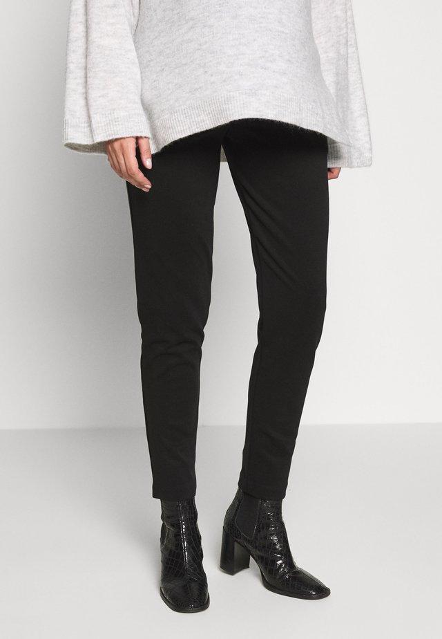 RELAXED SOFT PONTE PANT IN FULL LENGTH - Spodnie materiałowe - black