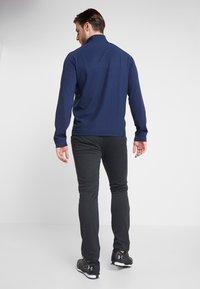 Callaway - LIGHT WEIGHT PRINTED MIX MEDIA 1/4 ZIP - T-shirt de sport - peacoat/baltic - 2